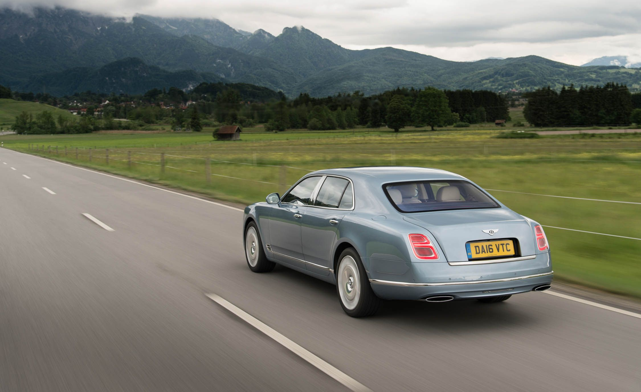 bentley car tv en motoring technical specifications engine price mulsanne the full guide