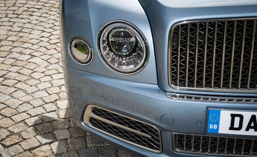 2017 Bentley Mulsanne - Slide 10