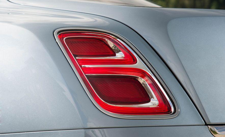 2017 Bentley Mulsanne - Slide 13