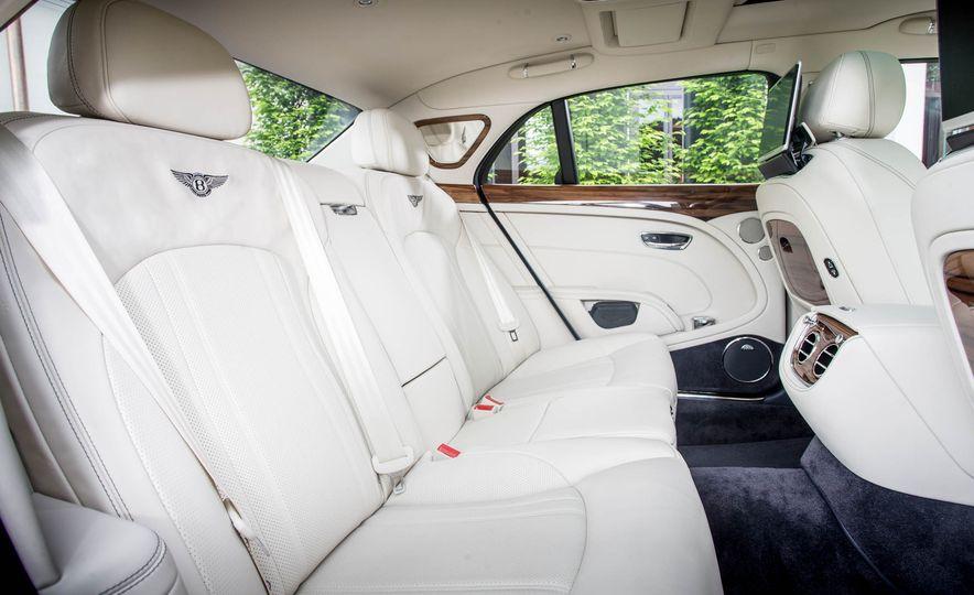 2017 Bentley Mulsanne - Slide 16