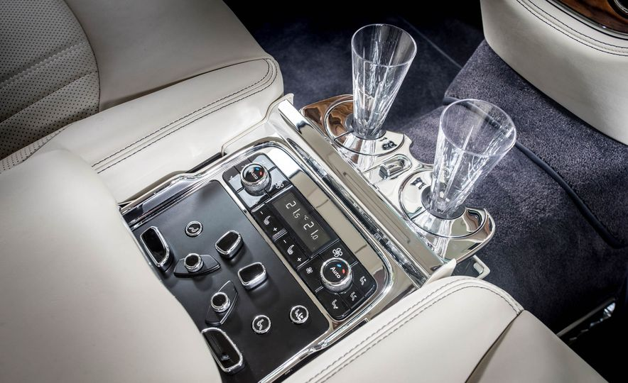 2017 Bentley Mulsanne - Slide 20