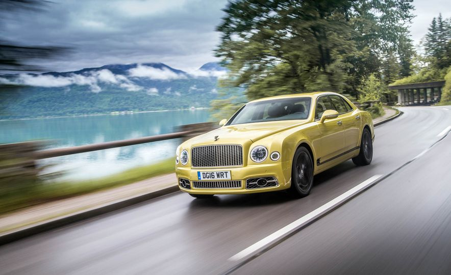 2017 Bentley Mulsanne - Slide 24