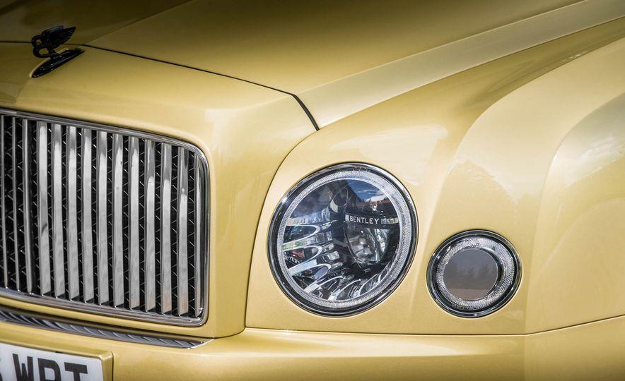 2017 Bentley Mulsanne - Slide 30