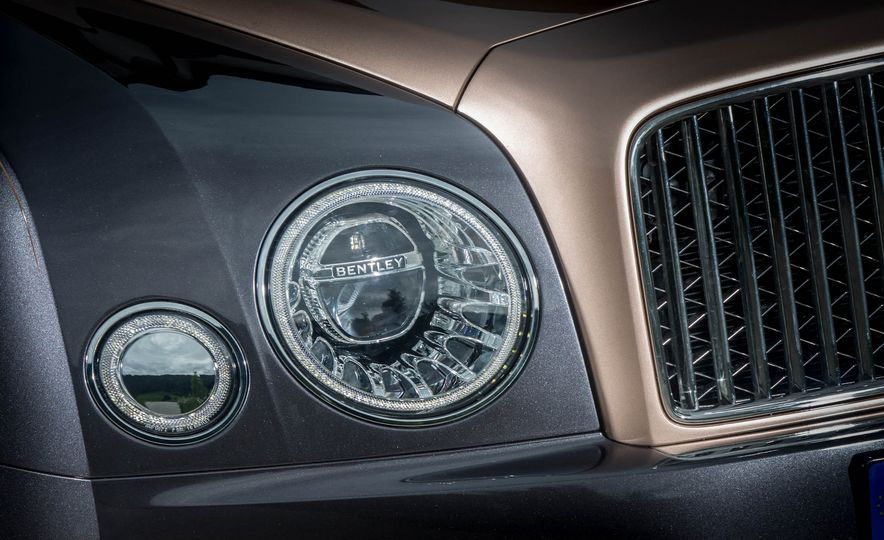 2017 Bentley Mulsanne - Slide 58