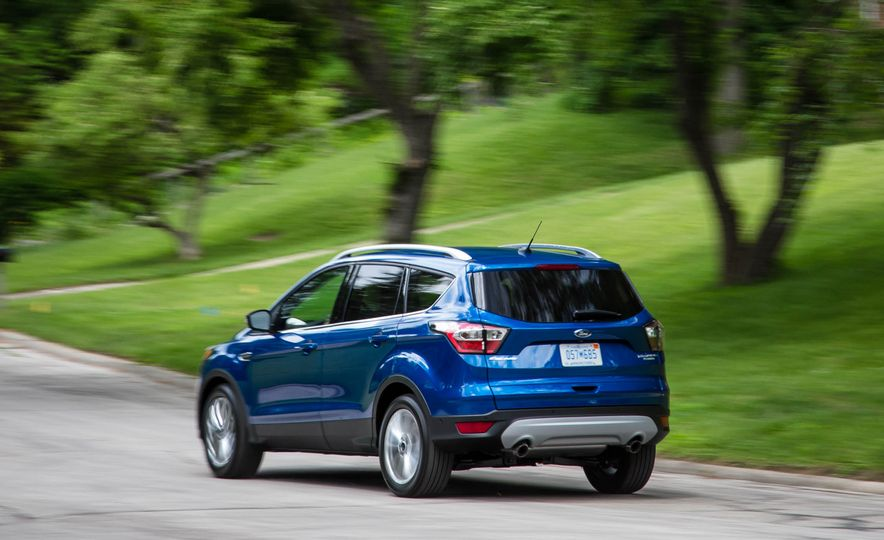 2017 Ford Escape 1.5 EcoBoost Titanium - Slide 9