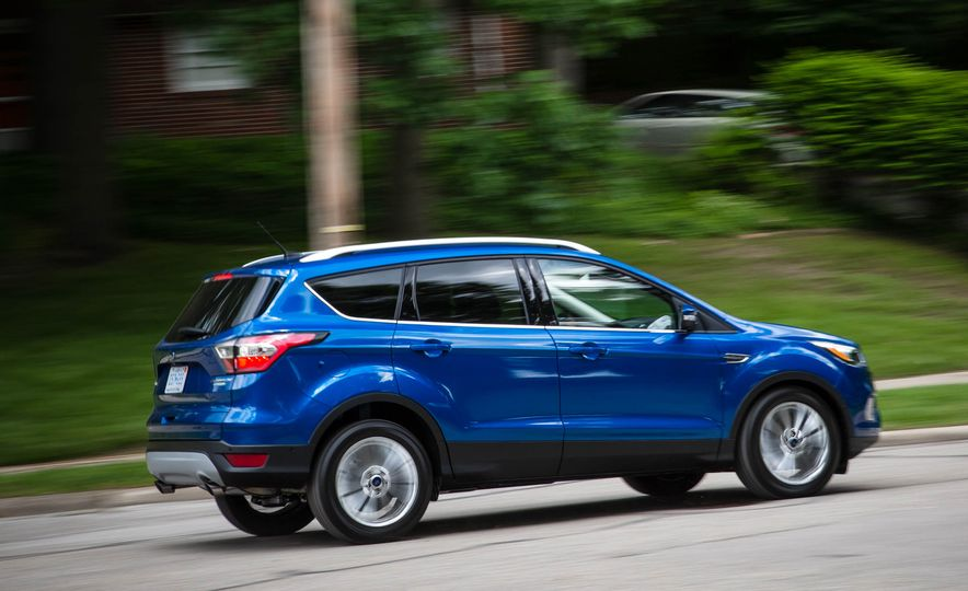 2017 Ford Escape 1.5 EcoBoost Titanium - Slide 11