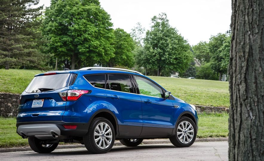 2017 Ford Escape 1.5 EcoBoost Titanium - Slide 16
