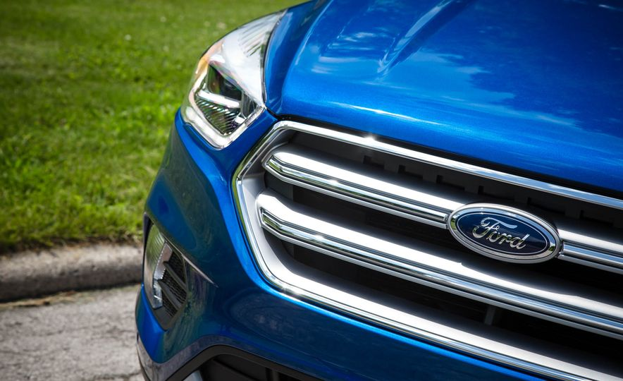 2017 Ford Escape 1.5 EcoBoost Titanium - Slide 19