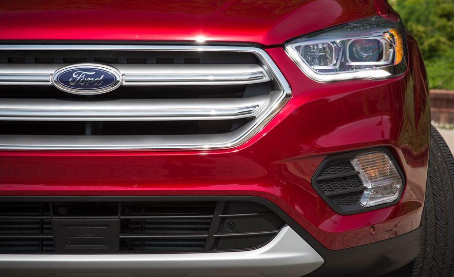 2017 Ford Escape Titanium - Slide 14