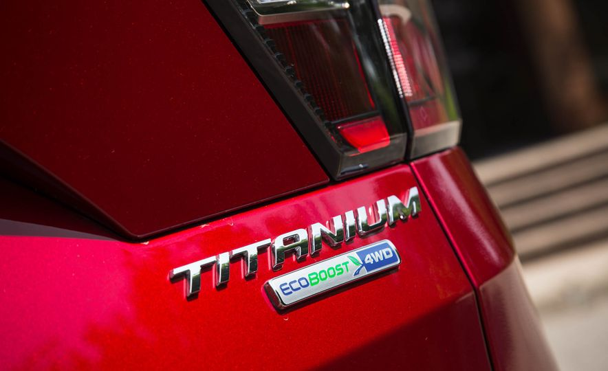 2017 Ford Escape Titanium - Slide 21