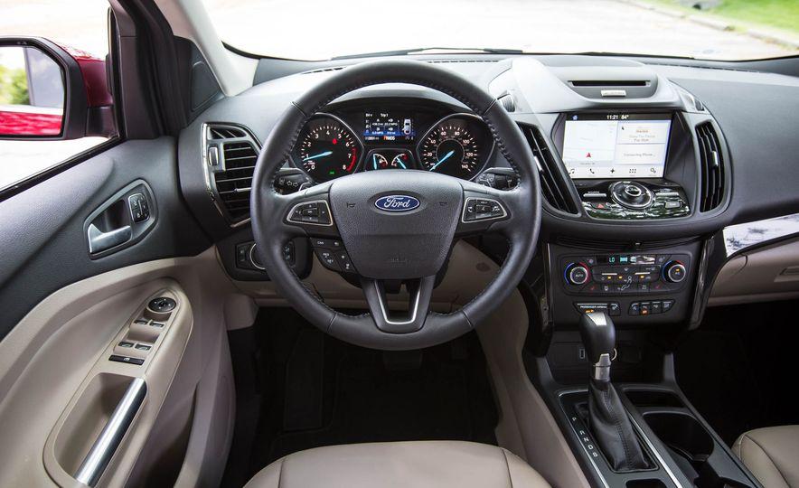 2017 Ford Escape Titanium - Slide 31