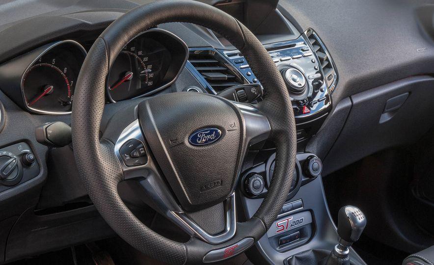 2017 Ford Fiesta ST200 - Slide 45