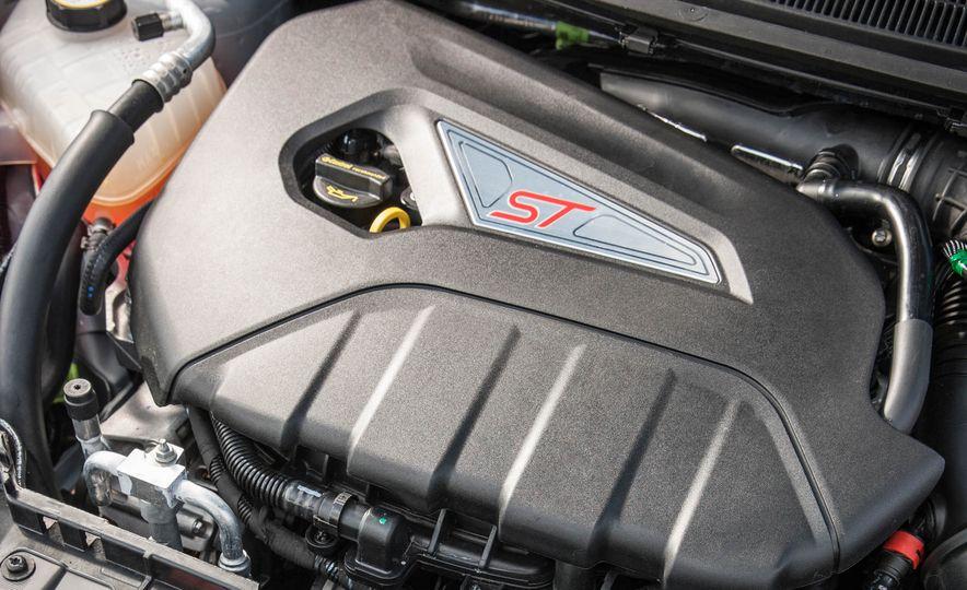 2017 Ford Fiesta ST200 - Slide 55