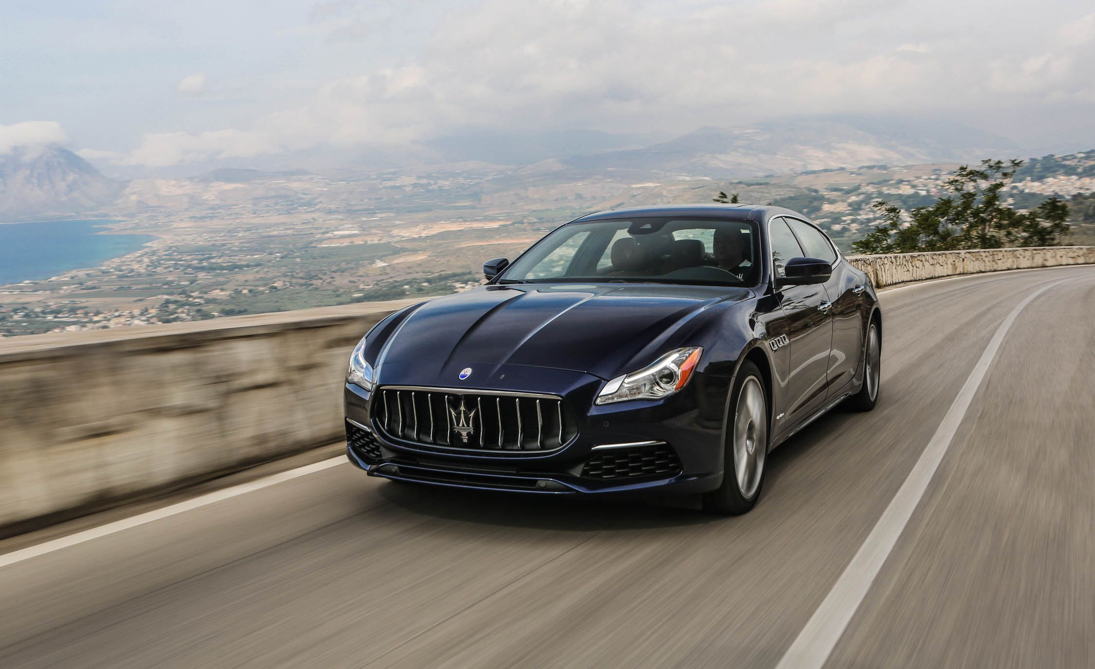 2019 Maserati Quattroporte Reviews Price Photos And Specs Car Driver