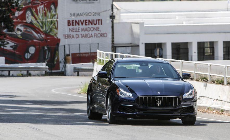 2017 Maserati Levante - Slide 16