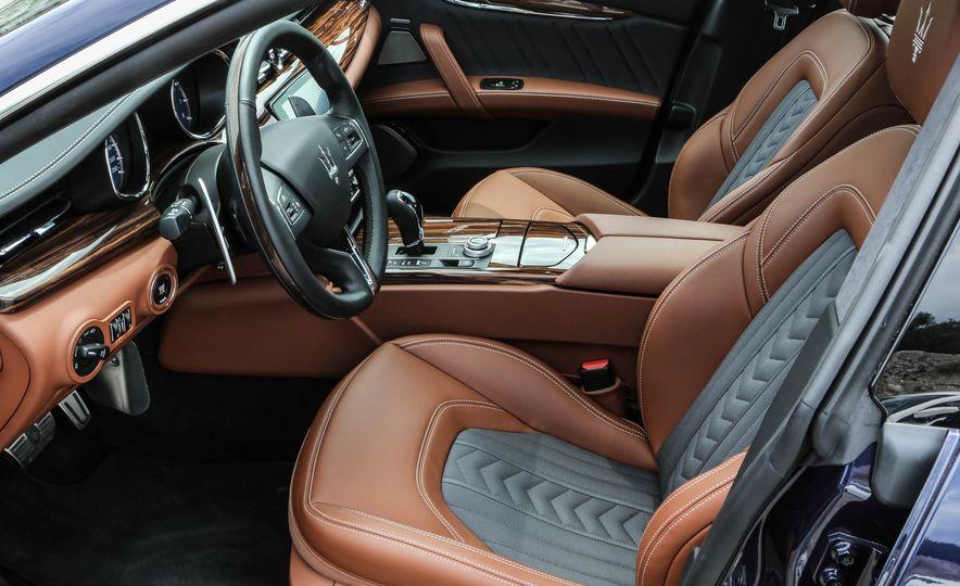 2017 Maserati Levante - Slide 18