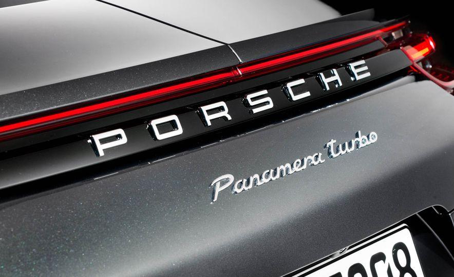 2017 Porsche Panamera - Slide 22