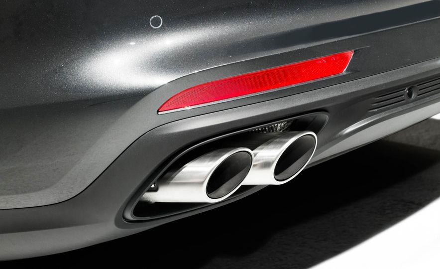 2017 Porsche Panamera - Slide 23