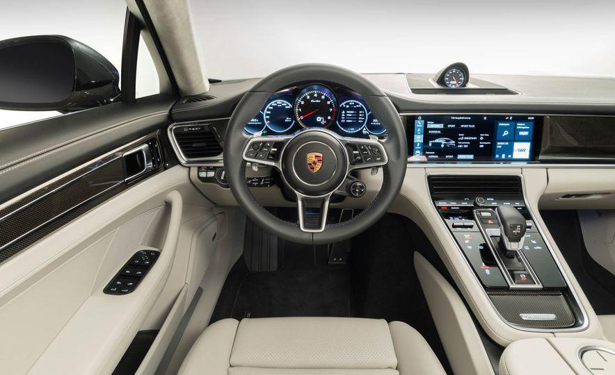 2017 Porsche Macan GTS - Slide 15