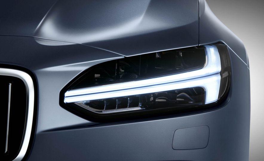 2017 Volvo S90 - Slide 10