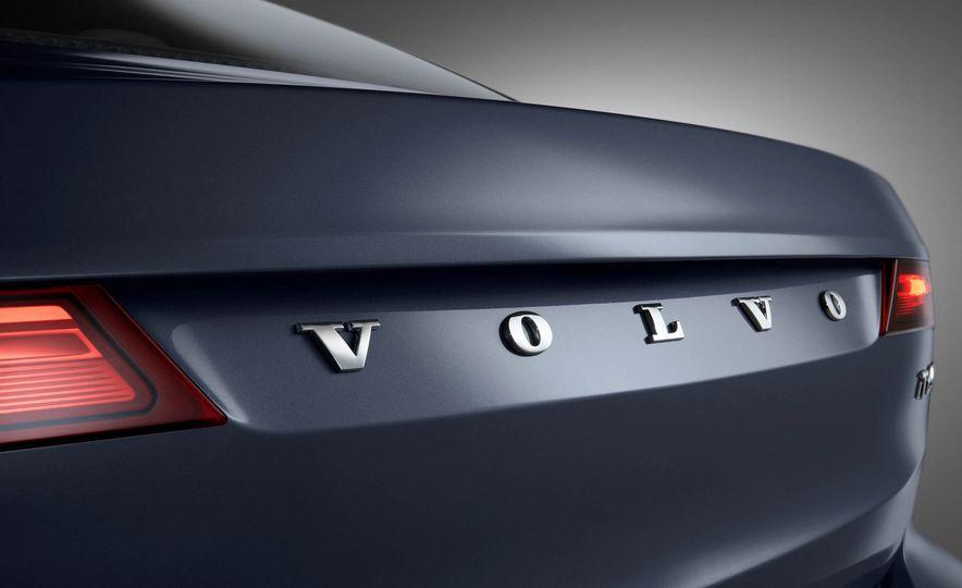2017 Volvo S90 - Slide 11