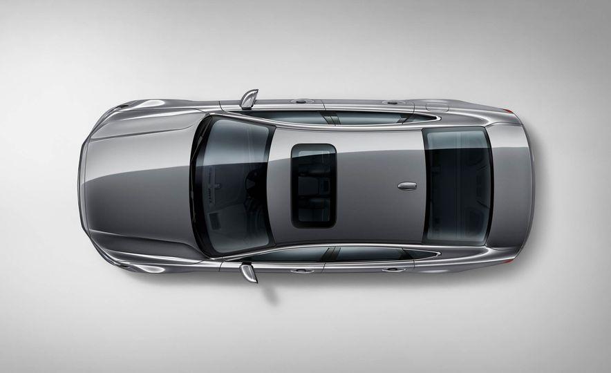 2017 Volvo S90 - Slide 15