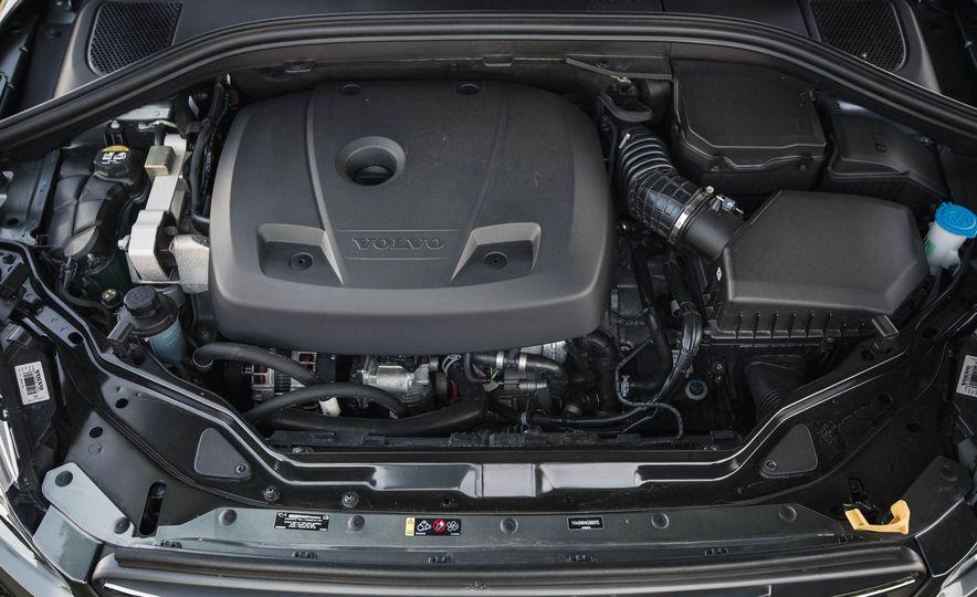 2016 Volvo XC60 T6 AWD Drive-E - Slide 38