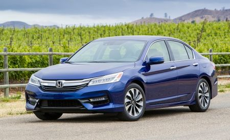Refreshed 2017 Honda Accord Hybrid Pricing Rises by $300 to $900
