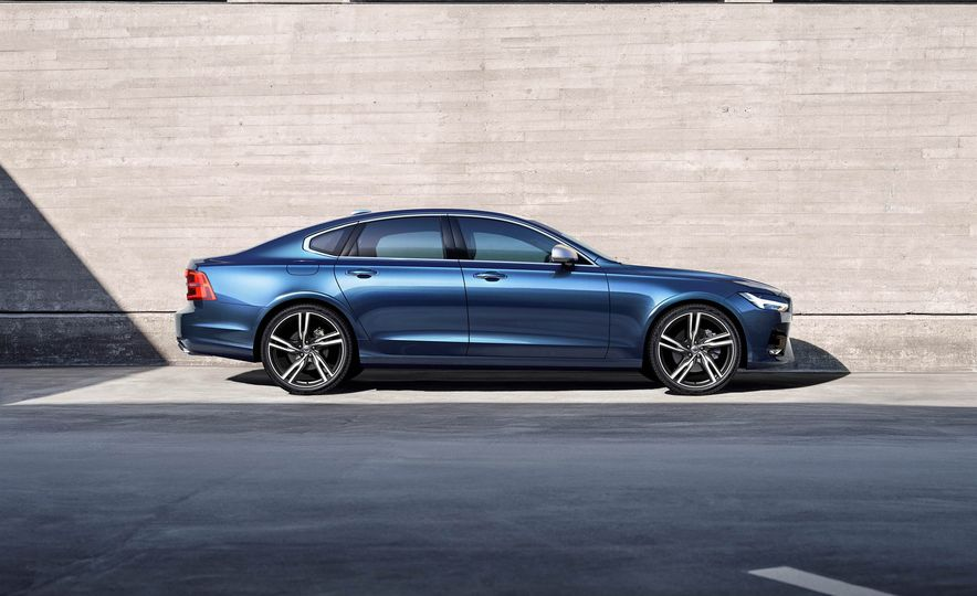 2017 Volvo S90 R-Design - Slide 2