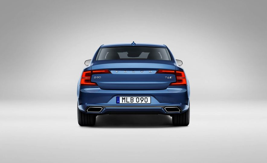 2017 Volvo S90 R-Design - Slide 5