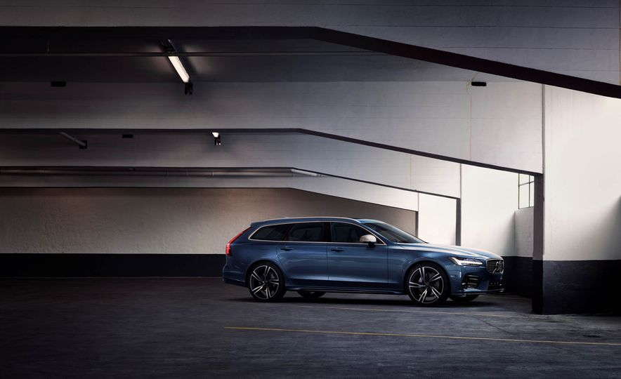 2017 Volvo S90 R-Design - Slide 13