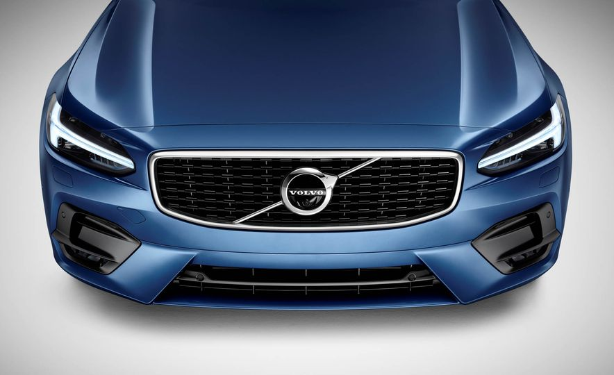 2017 Volvo S90 R-Design - Slide 22