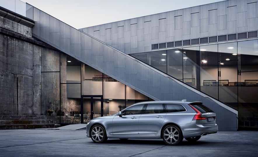 2018 Volvo V90 - Slide 15