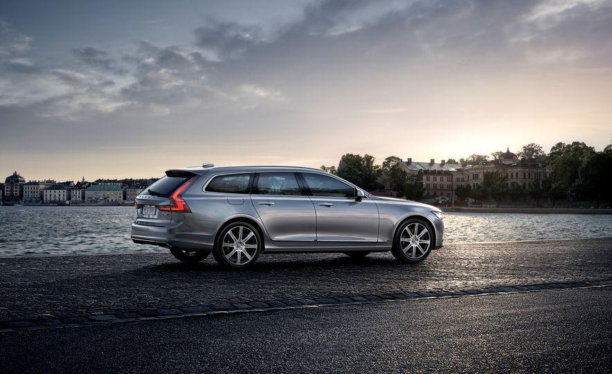 2018 Volvo V90 - Slide 18