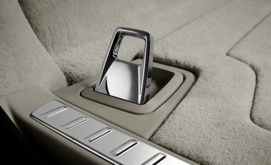 2018 Volvo V90 - Slide 34