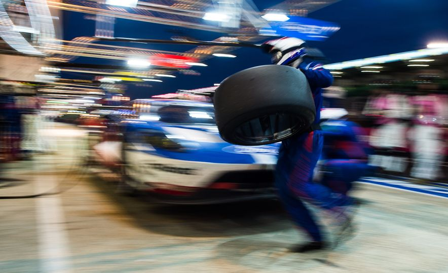 2016 24 Hours of Le Mans: Photos from the History-Making Race - Slide 32