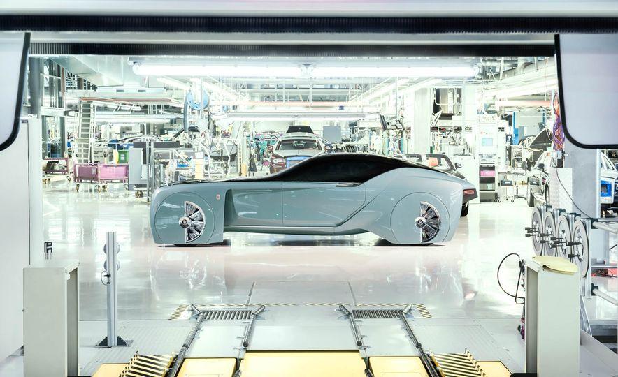 Rolls-Royce 103EX concept - Slide 8