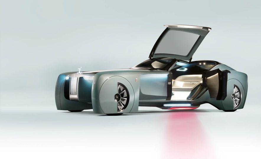 Rolls-Royce 103EX concept - Slide 11