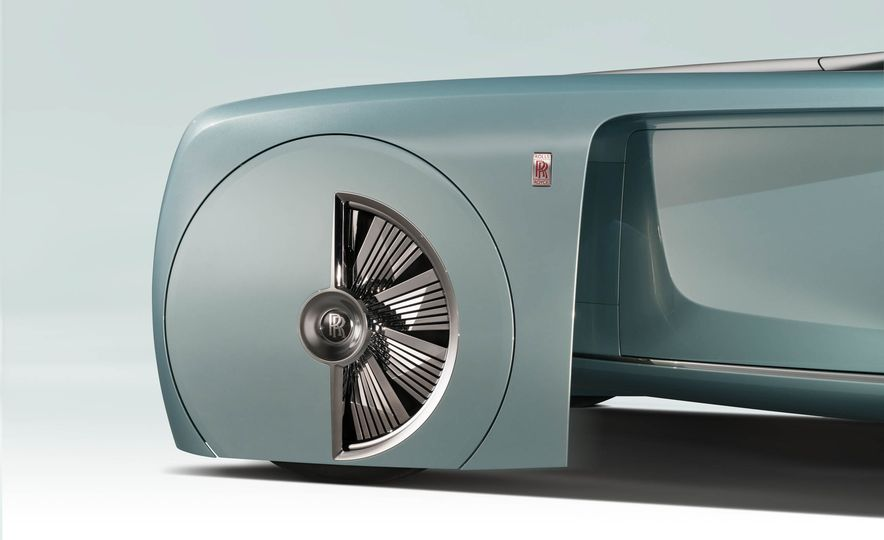 Rolls-Royce 103EX concept - Slide 17