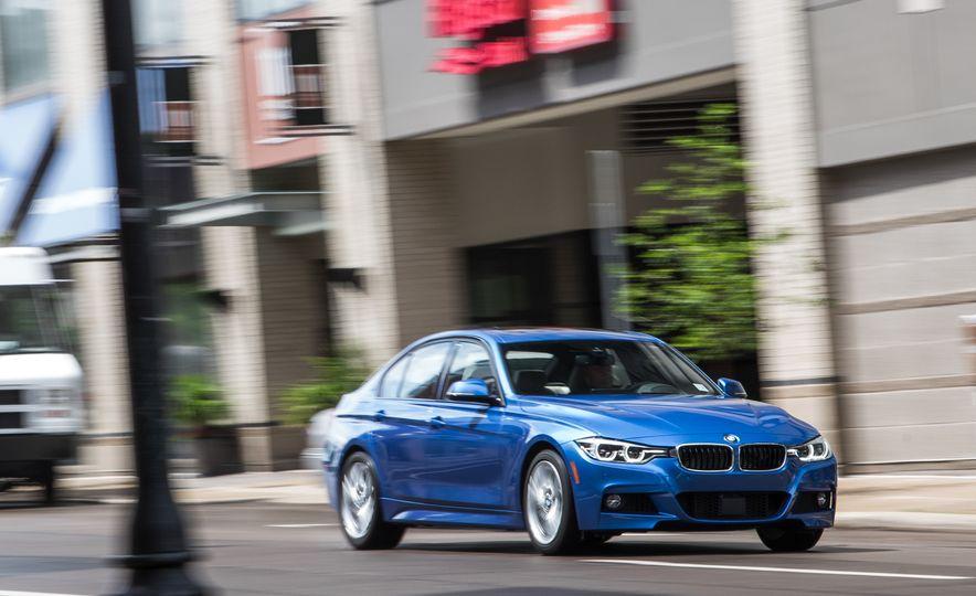 2016 BMW 330e - Slide 1