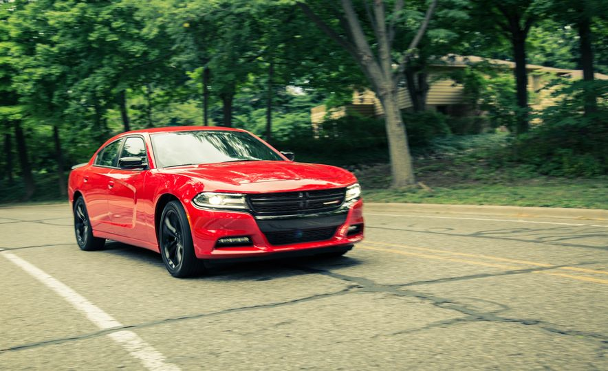 2016 Dodge Charger SXT Blacktop - Slide 1