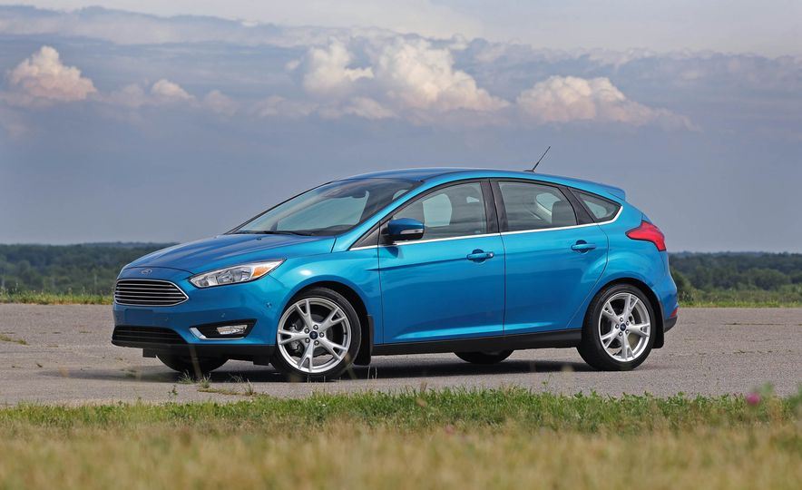 2016 Ford Focus Titanium hatchback - Slide 23