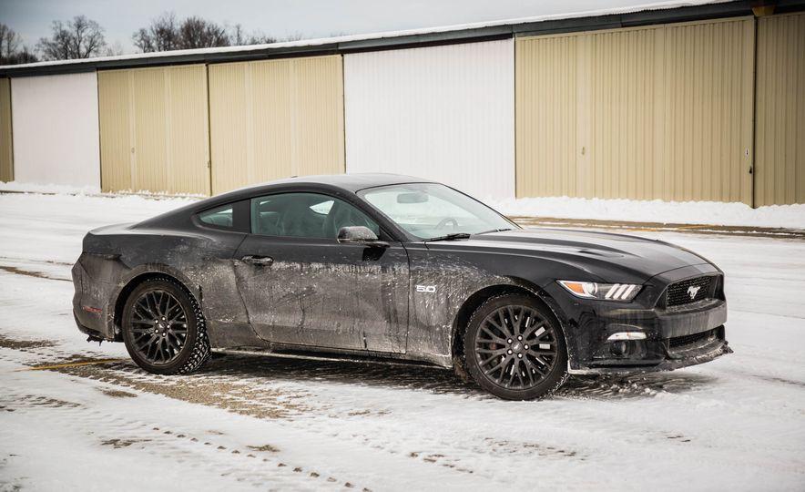 2016 Ford Mustang GT - Slide 22