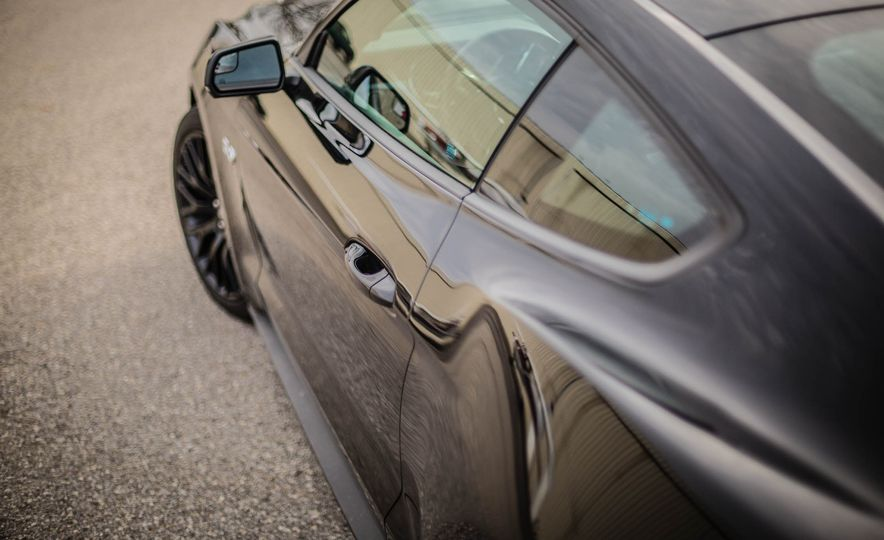 2016 Ford Mustang GT - Slide 27