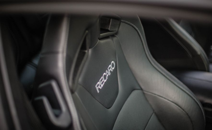 2016 Ford Mustang GT - Slide 37