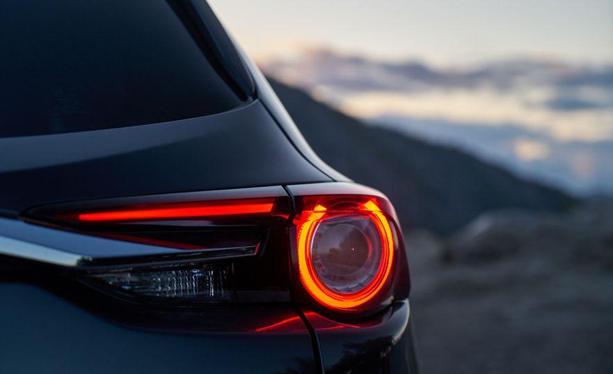 2016 Mazda CX-9 Signature AWD - Slide 13