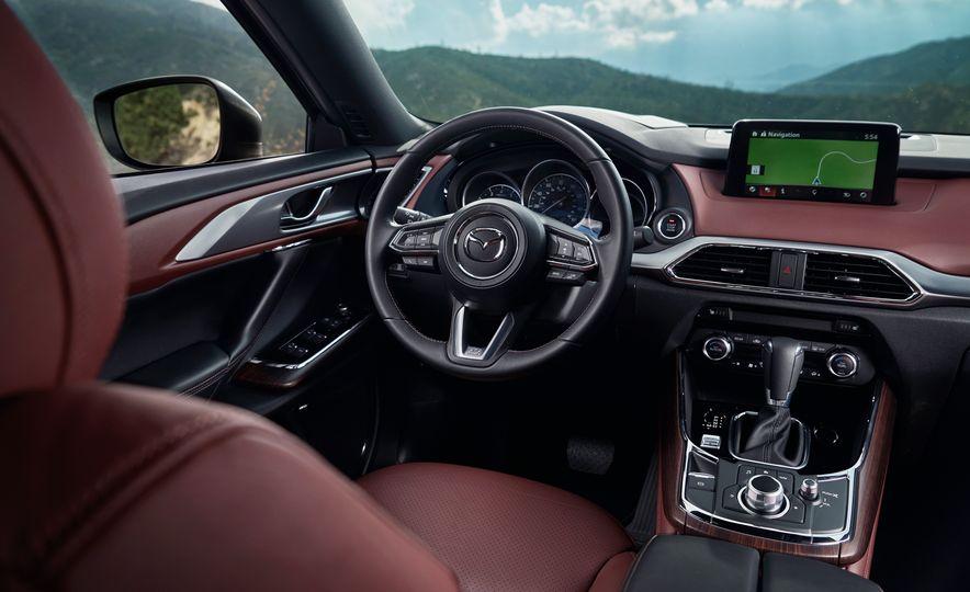 2016 Mazda CX-9 Signature AWD - Slide 17