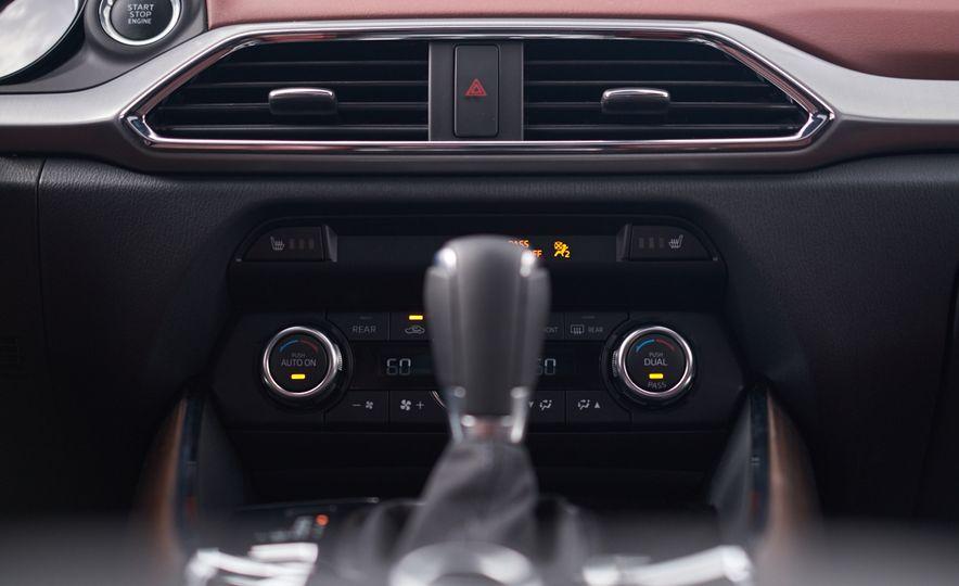 2016 Mazda CX-9 Signature AWD - Slide 23