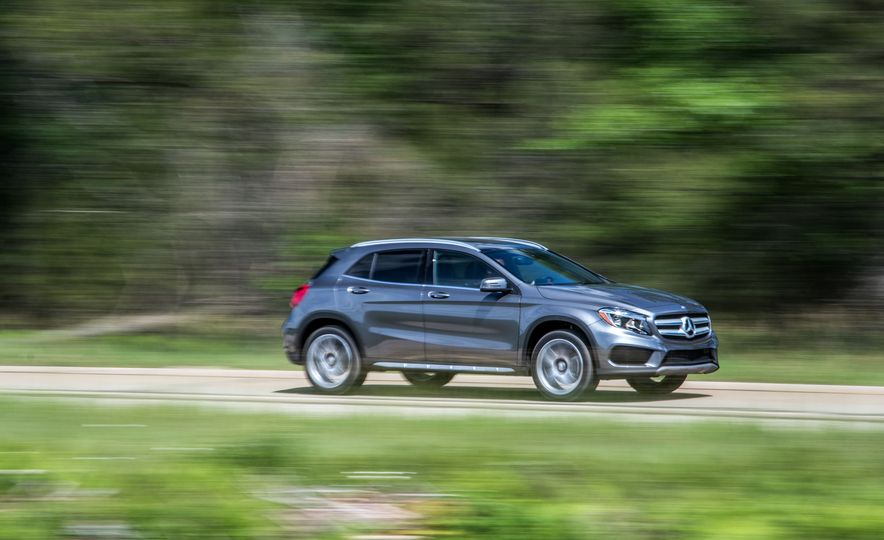 2016 Mercedes-Benz GLA250 - Slide 8