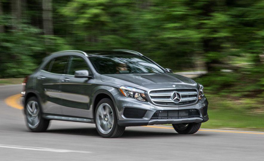 2016 Mercedes-Benz GLA250 - Slide 13